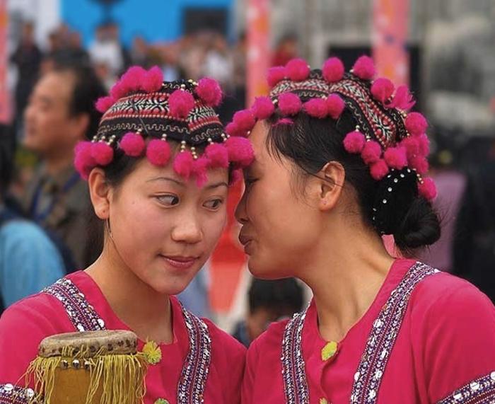 Ethnic Groups & Minorities in China.